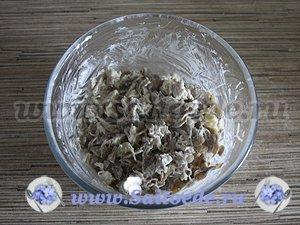 Лаваш с курицей, сыром и грибами запеченный в духовке