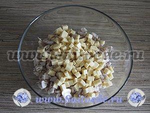 "Салат ""Аппетит"" с копченой курицей и сыром"