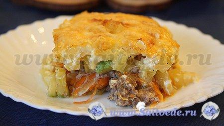 Картофельная запеканка с фаршем и кабачками в духовке