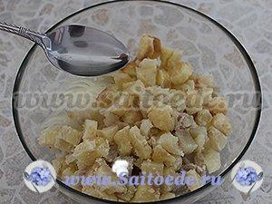 Салат с селедкой, картошкой и луком